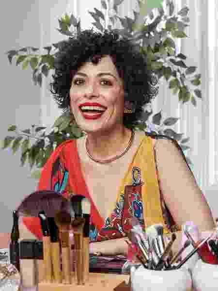 "Fabi Gomes comanda o ""E aí, Beleza?"" nas noites de quarta, no UOL - Mariana Pekin/UOL - Mariana Pekin/UOL"
