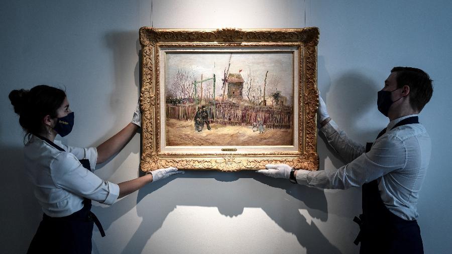 """O quadro """"Cena de rua em Montmartre"""", de Van Gogh, nunca foi exibido em público - STEPHANE DE SAKUTIN/AFP"""