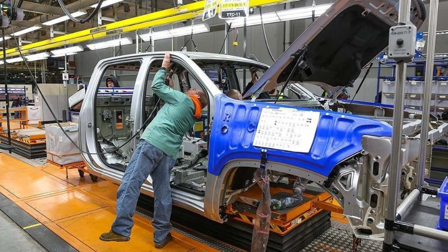 Picape em produção em linha da GM nos EUA - Divulgação