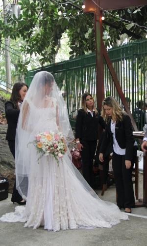 6.dez.2015 - A atriz Sophie Charlotte se prepara para se casar com o ator Daniel de Oliveira