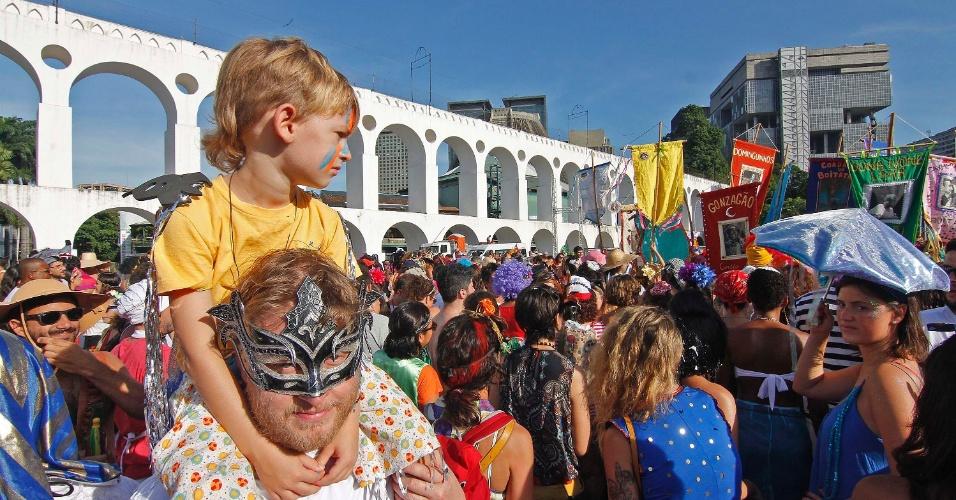 Crianças também participam da folia do Boitatá