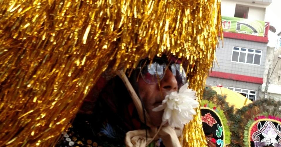 8.fev.2016 - O caboclo de lança é um dos personagens principais do maracatu em Nazaré da Mata (PE)