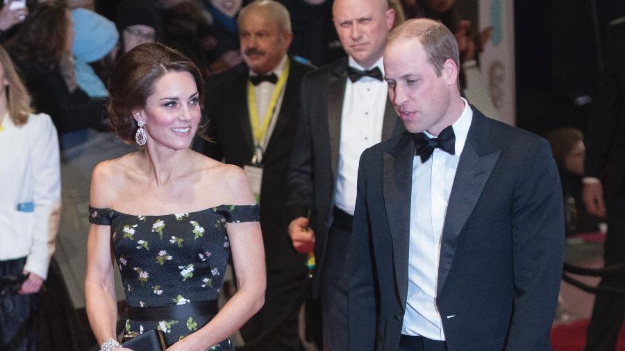 Kate Middleton e príncipe William estão pedindo indenização por fotos publicadas em 2012 - Getty Images