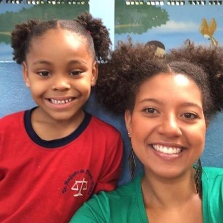 Ana Bárbara Ferreira deixou o dia de sua aluna mais feliz - Reprodução/Facebook