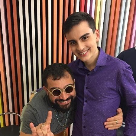 Evandro Santos e Dudu Camargo posam para foto - Reprodução/Instagram/@EvandroSanto