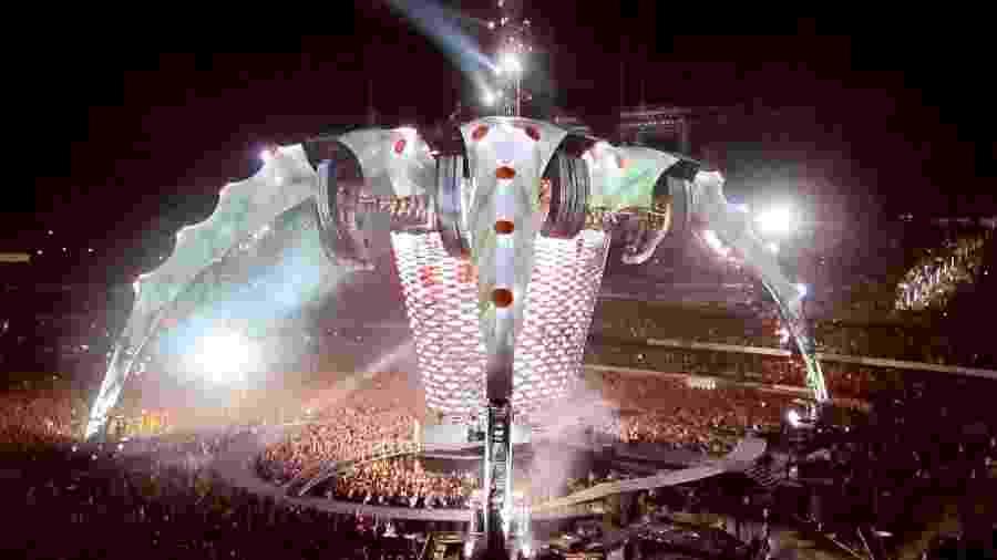 Estrutura gigantesca no palco do U2 nos shows da banda no Morumbi em 2011 - Mariana Campos/Folhapress