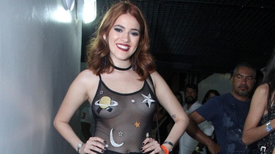 Ana Clara usa blusa transparente em show de Luan Santana no Rio - Wallace Barbosa/ AgNews