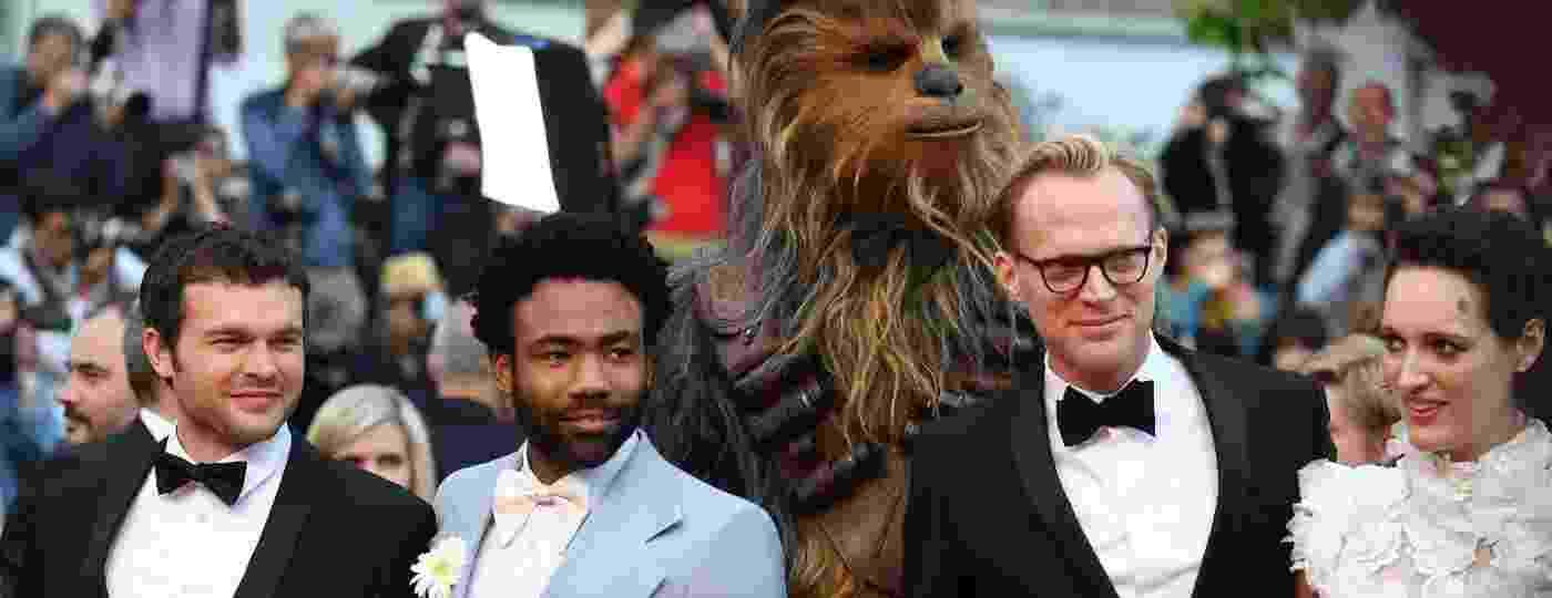 """Os atros de """"Han Solo: Uma história Star Wars"""" compareceram ao tapete vermelho do filme em Cannes - AFP"""