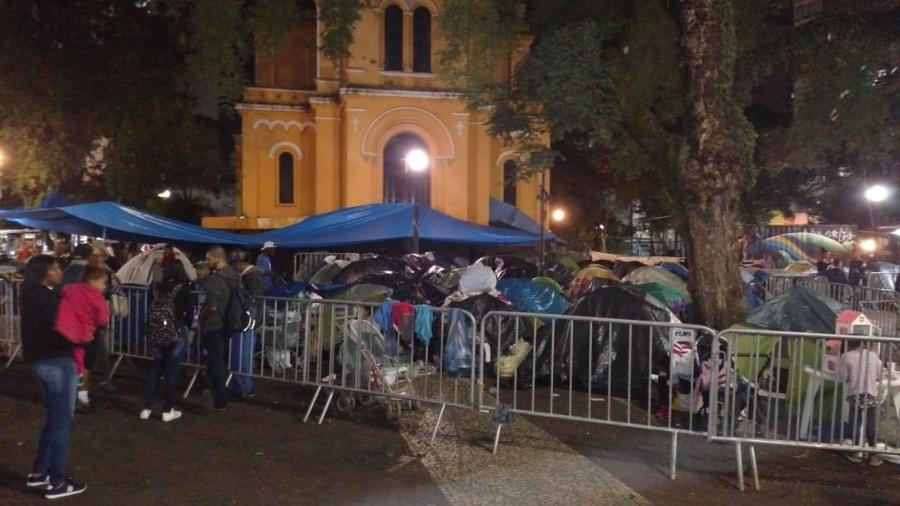 Acampamento de desabrigados do edifício Wilton Paes de Almeida, que desabou no centro de São Paulo após incêndio no dia 1º de maio - Felipe Branco Cruz/UOL