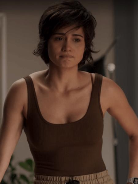 Maura (Nanda Costa) leva lição de moral de Selma (Carol Fazu) - Reprodução/Globo