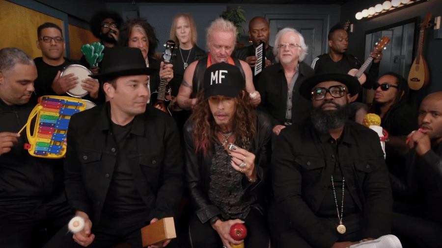 Jimmy Fallon e integrantes do Aerosmith e The Roots - Reprodução