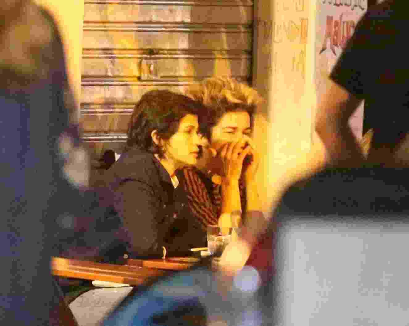 Nanda Costa curte noite de sábado (15) no Rio acompanhada da namorada Lan Lanh - Thiago Martins/AgNews
