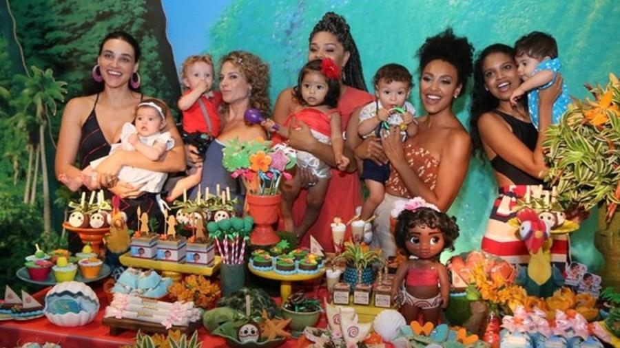Juliana Alves comemora um aninho de filha, Yolanda, no Rio - Imagem/AgNews