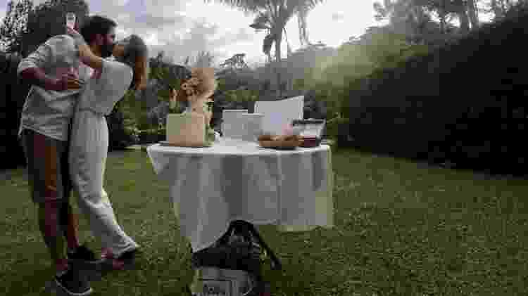 Andressa e Matheus optaram por cerimônia intimista em Visconde de Mauá - Divulgação - Divulgação