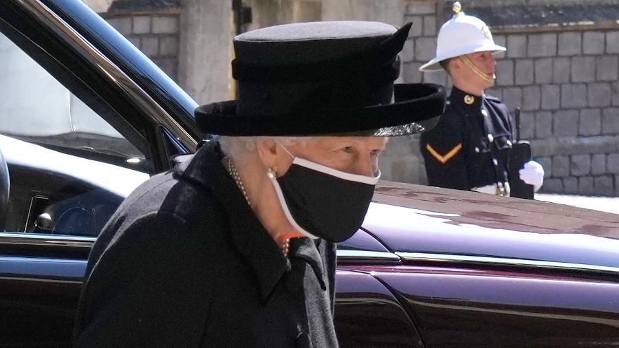 A rainha Elizabeth 2ª chega à Capela de São Jorge para se despedir do marido, príncipe Philip - Jonathan Brady - WPA Pool/Getty Images