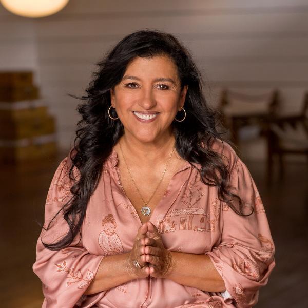 Sucesso de Dona Luders colocou Regina Casé em campanha de Dia das Mães do Boticário