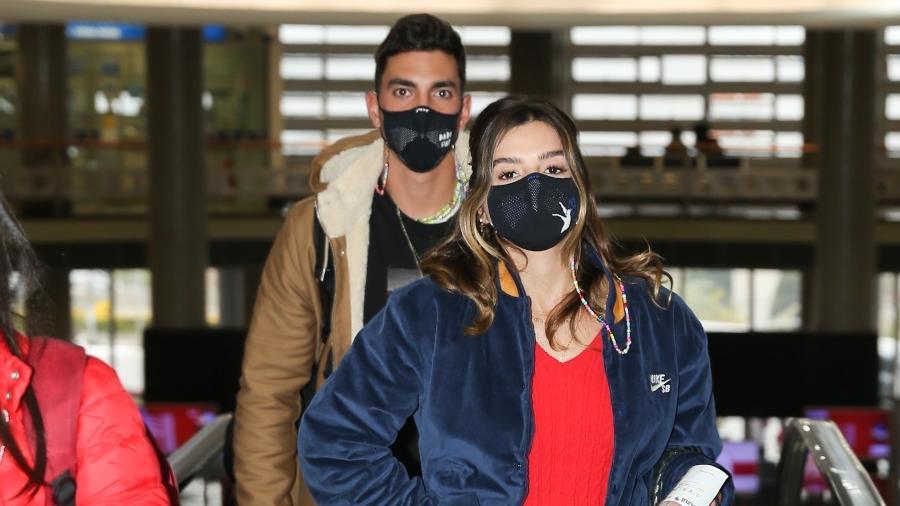 Gabriel David e Giovanna Lancellotti embarcaram juntos no aeroporto de Congonhas (SP) - Lucas Ramos / AgNews