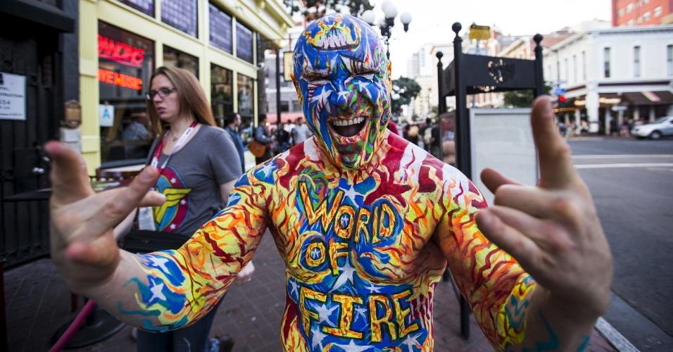 10.jul.2915 - Uma pessoa que atende pelo nome de Nomad posa para foto no 2º dia da San Diego Comic-Con, na Califórnia