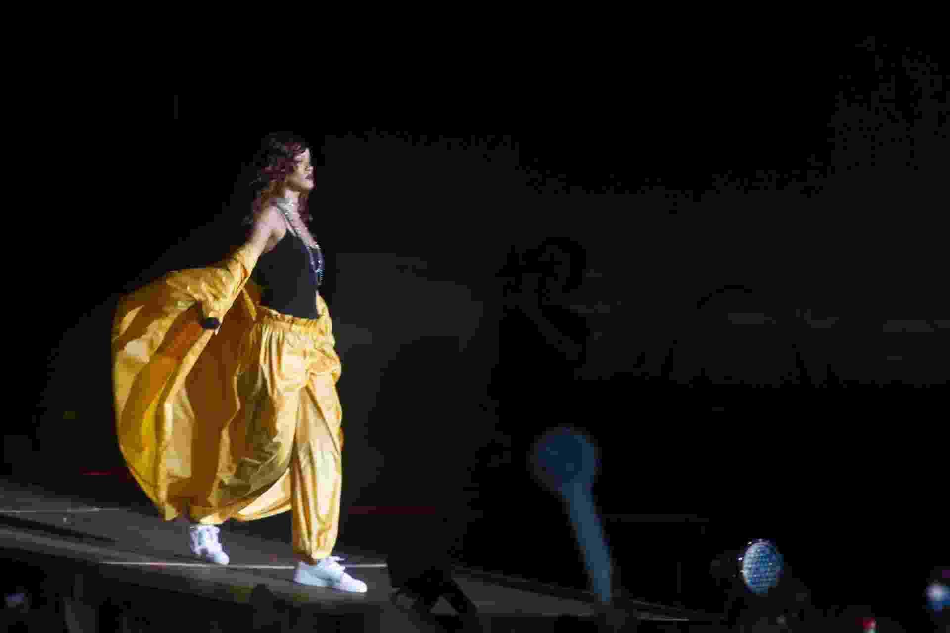 26.set.2015 - Rihanna se apresenta no sexto dia do Rock in Rio 2015 - Luciano Belford/Agência Estado