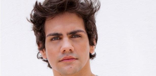 """O ator Ciro Sales vai investigar as histórias de casais virtuais na versão brasileira do reality show """"Catfish"""" - Divulgação/MTV Brasil"""
