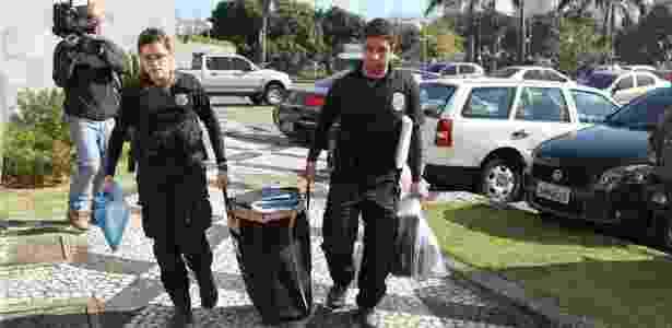 28.jun.2016 - Movimentação de agentes da Polícia Federal na sede da PF na Lapa, na zona oeste de São Paulo, que deflagrou a Operação Boca Livre para apurar fraudes na Lei Rouanet - Rafael Arbex/Estadão Conteúdo
