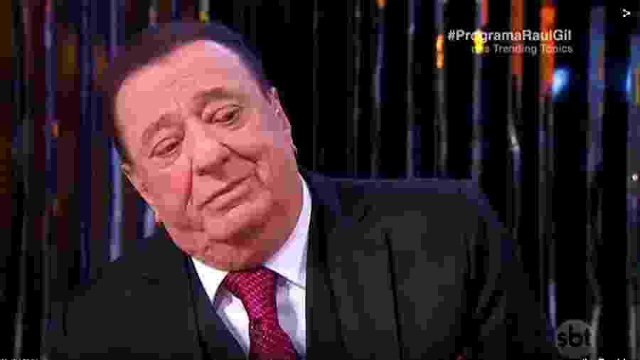 Raul Gil se emociona em seu programa - Reprodução/SBT