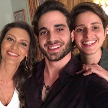 Fiuk ao lado de Maria Fernanda Cândido e Carol Duarte - Reprodução/Instagram/fiuk