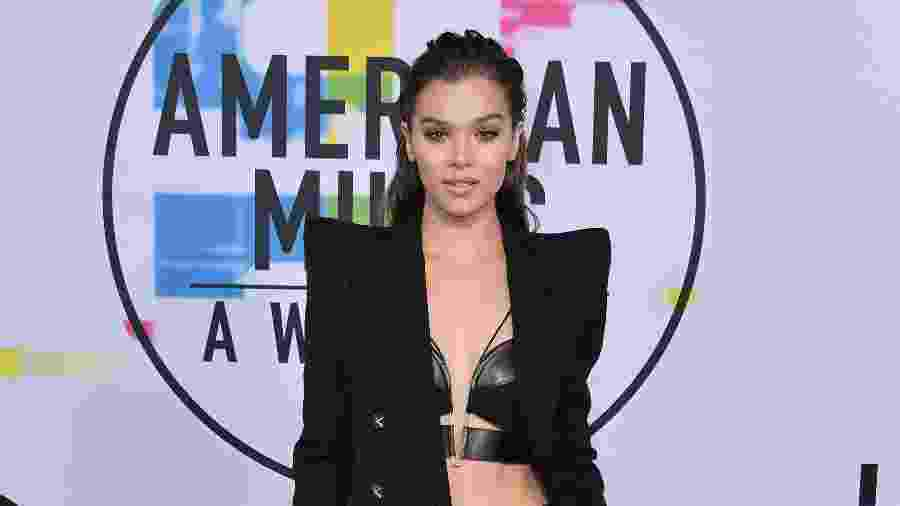 American Music Awards 2017 - Hailee Steinfeld - Getty Images