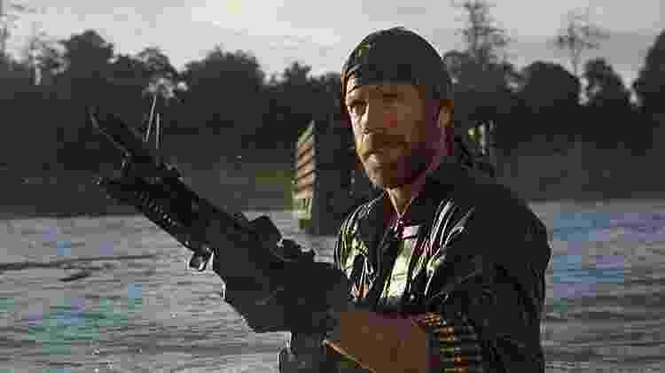 """Chuck Norris em cena de """"Braddock II - O Início da Missão"""" (1985) - Divulgação - Divulgação"""