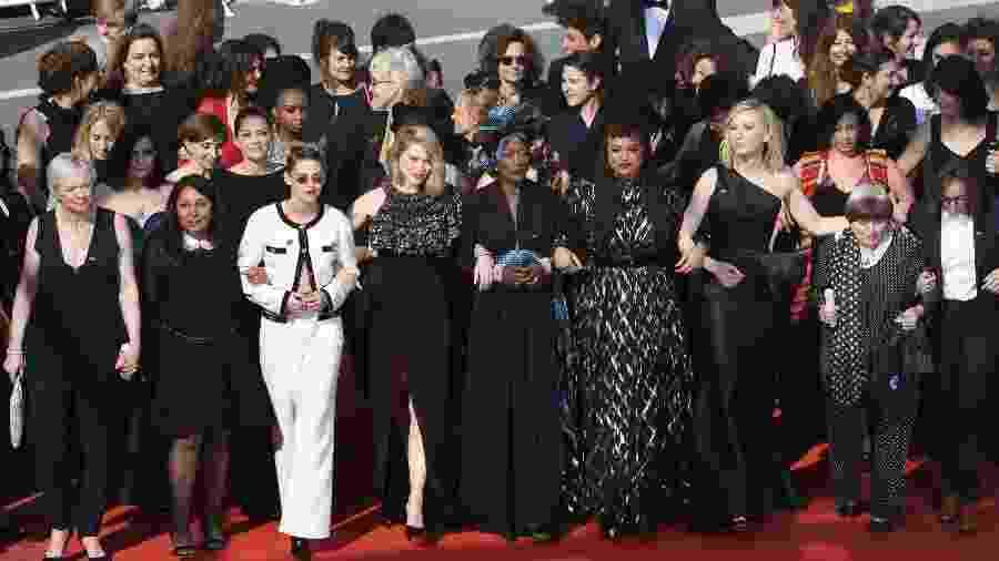 Cate Blanchett lidera marcha feminina no Festival de Cannes - ANTONIN THUILLIER/AFP