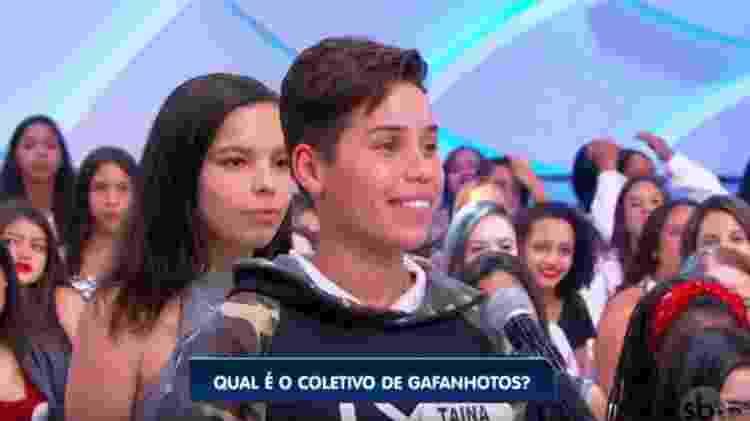 Jovem constrangida no programa do Sílvio Santos - Reprodução/YouTube - Reprodução/YouTube