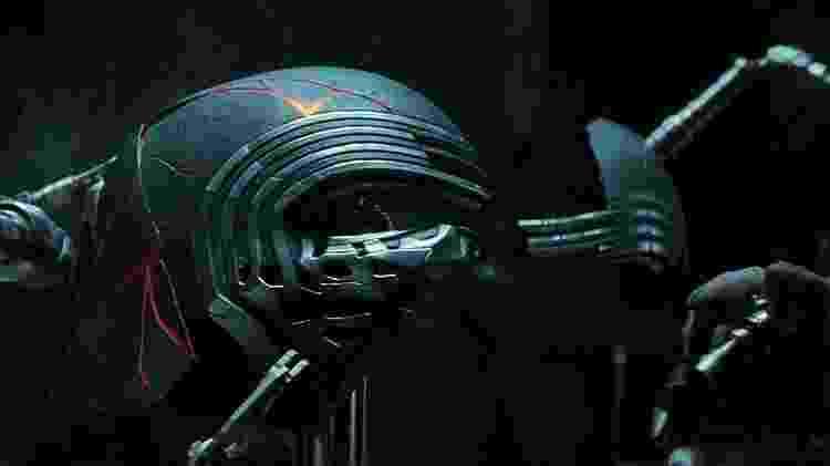 """O capacete de Kylo Ren (Adam Driver) em """"Star Wars: Episódio IX - A Ascensão Skywalker"""" - Divulgação"""