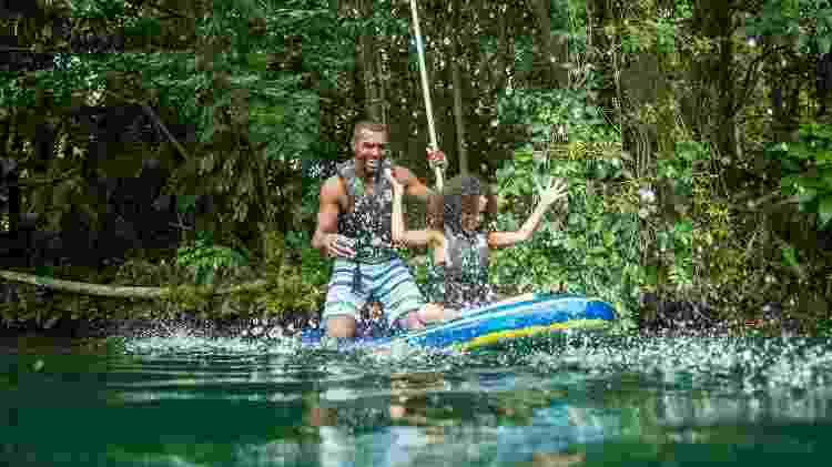 Nos lagos, piscinas e parques aquáticos, diversão para todas as idades - Divulgação