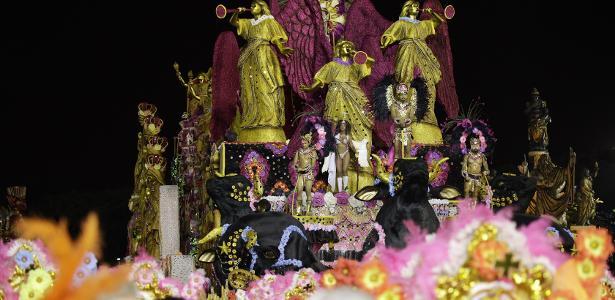 2ª da noite a desfilar | Colorado do Brás mostra que veio para ficar com desfile sobre Dom Sebastião
