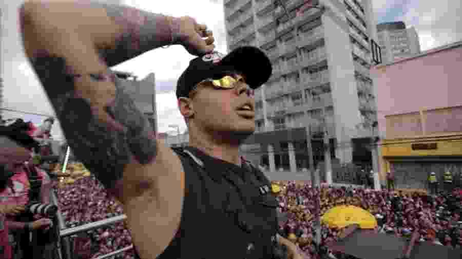 01.03.2020 - MC Lan agita foliões no Bloco KondZilla, na zona oeste de São Paulo - André Lucas/UOL