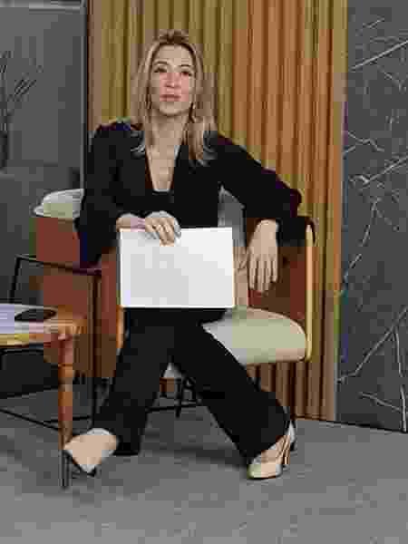 A jornalista Natalie Nanini descobriu um câncer no útero após notar uma secreção estranha na calcinha - arquivo pessoal