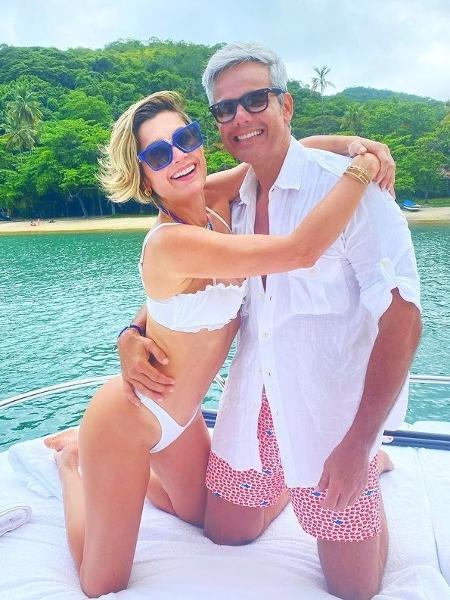 Flávia Alessandra e Otaviano Costa compartilharam momento durante passeio de barco  - Reprodução/Instagram