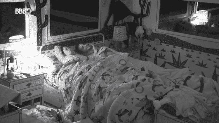 BBB 21: Juliette e Fiuk dividem cama - Reprodução/Globoplay - Reprodução/Globoplay