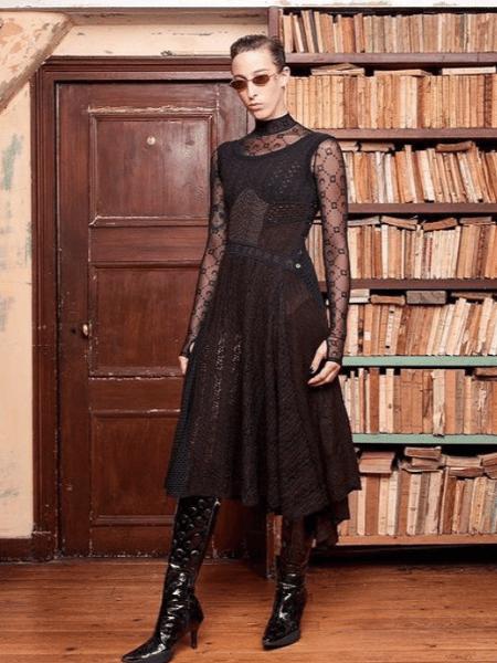Um dos looks apresentados na estreia da Semana de Moda de Paris, da coleção de Marine Serre - Reprodução/Instagram
