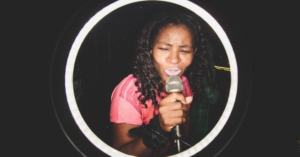 Pioneira do funk carioca, Deize Tigrona está de volta com a faixa ?Madame?