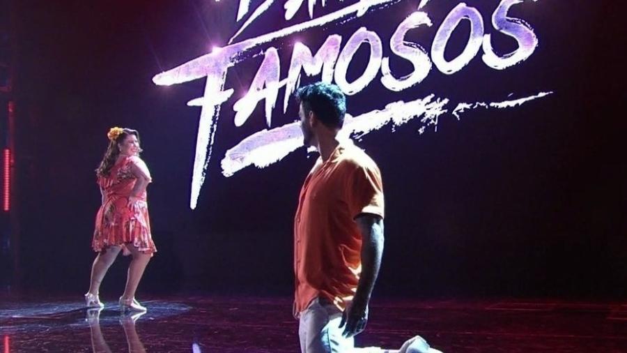 """Mariana Xavier e o bailarino Léo Santos não conseguiram boas notas e terminaram em sétimo lugar no quadro de classificação da """"Dança dos Famosos"""" e deram adeus à competição - Reprodução/TV Globo"""