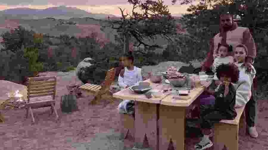 Kim Kardashian com a família no racho em Wyoming - Reprodução/Instagram