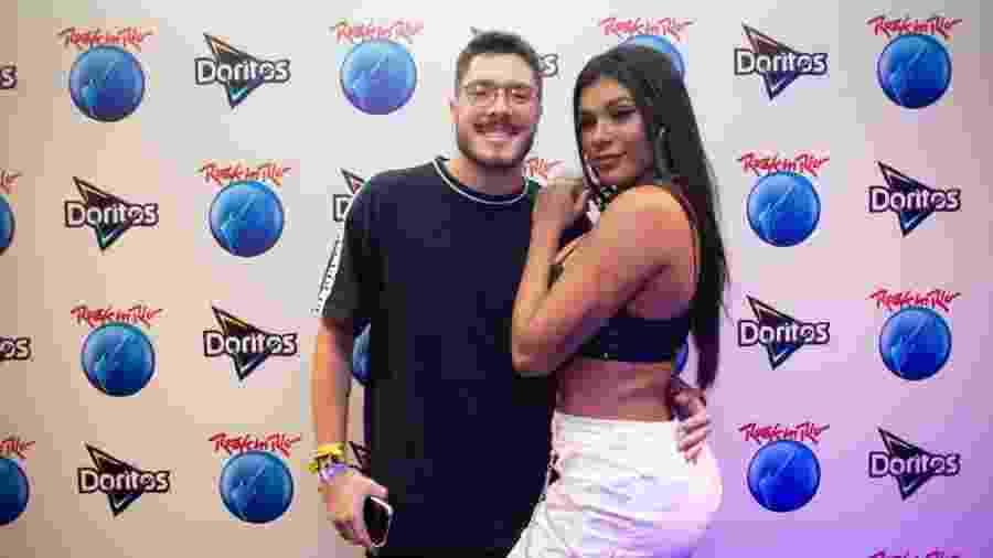 Pocahontas e o namorado Ronan Souza - Divulgação