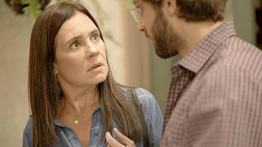 Thelma acompanha Nuno para desfazer a venda do restaurante - REPRODUÇÃO/REDE GLOBO
