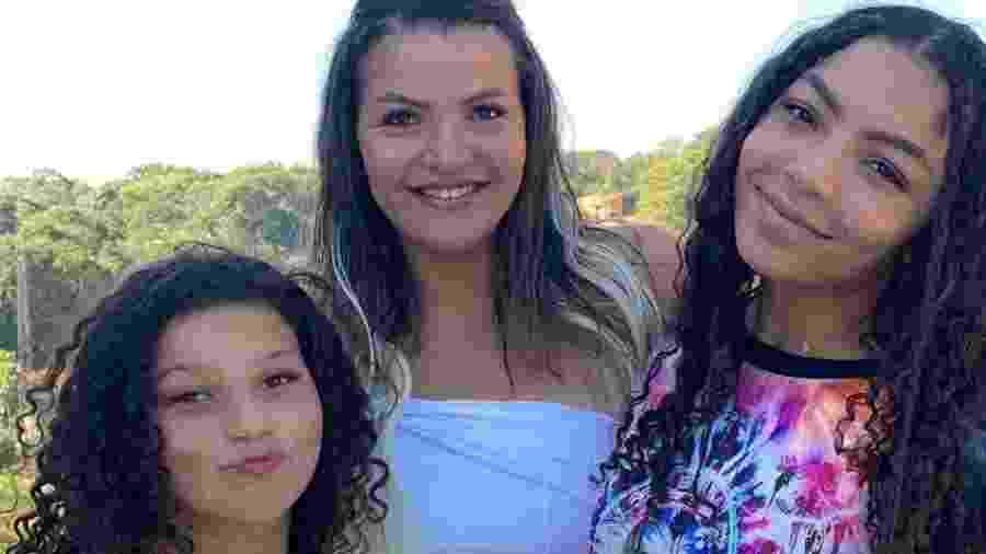 Priscila com as filhas Any Gabrielly e Belinha: sacrifícios para bancar o sonho da mais velha - Acervo Pessoal