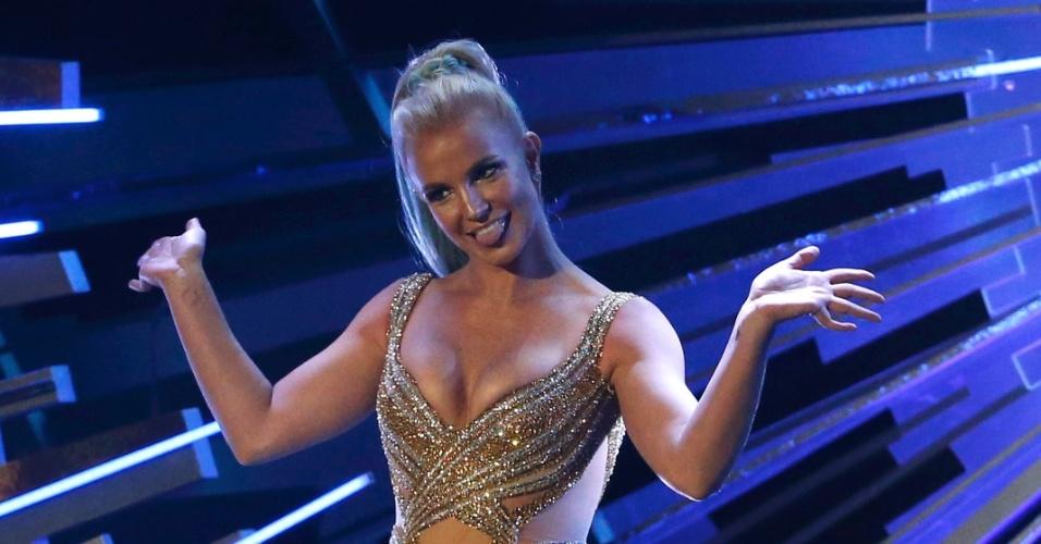 30.ago.2015 - Britney Spears foi uma das apresentadoras da noite do VMA 2015