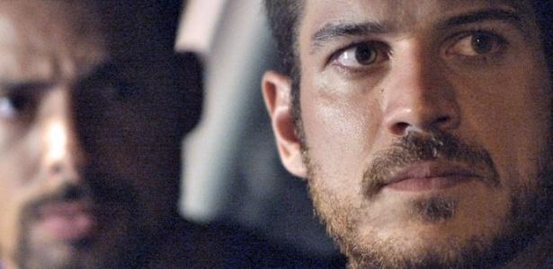 """Juliano (Cauã Reymond) e Dante (Marcos Pigossi) em cena de """"A Regra do Jogo"""" - Reprodução/Gshow"""