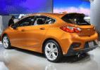 """Salão de SP """"fura"""" marcas e anuncia Cruze hatch, Camaro, Tracker e GT-R - Murilo Góes/UOL"""