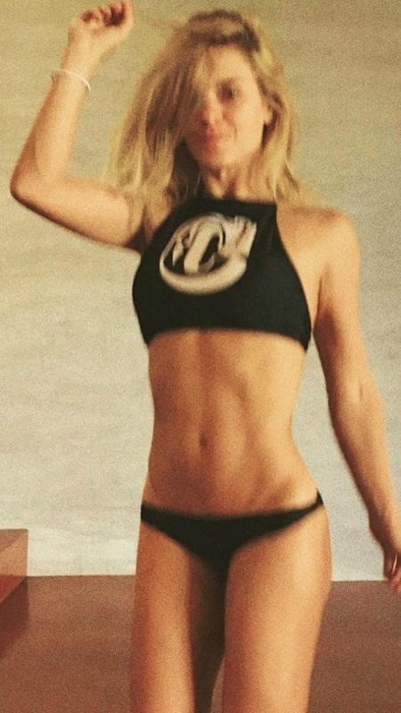 Nos Estados Unidos, Carolina Dieckmann não esconde que está louca para curtir o verão  - Reprodução/Instagram/@lacarola
