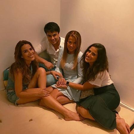 Zilu posa com os filhos e fala sobre desunião familiar no Instagram - Reprodução/Instagram/zilucamargooficial